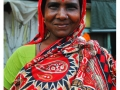 Kolkata---Portrait-in-red-at-the-Flower-Market
