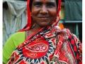 Kolkata---Portrait-in-red-at-the-Flower-Market