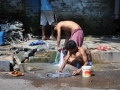 Kolkata-Washing-clothes-on-the-street