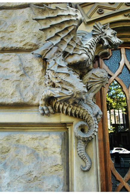dragon-casa-della-vittoria